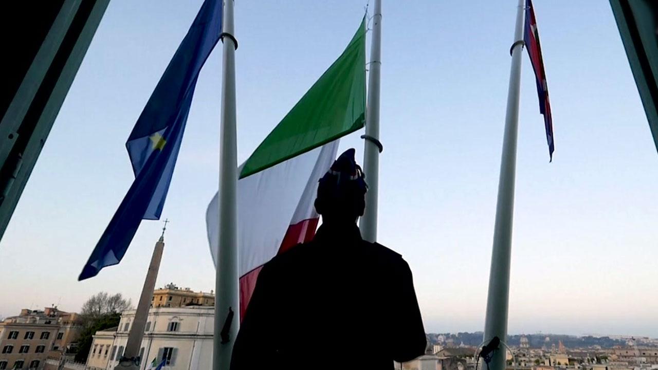 대규모 희생자 발생한 이탈리아·스페인 '조기 게양' 애도