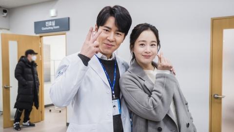 '하이바이,마마!' 휴방 아쉬움 달래는 촬영장 비하인드 사진 공개