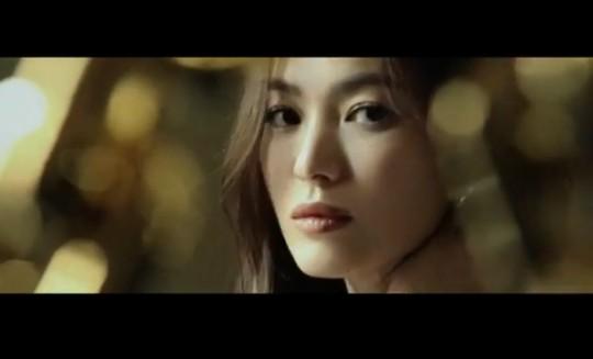 """송혜교 """"사랑하는 사람들과 이야기할 때 가장 나다움 느껴"""""""