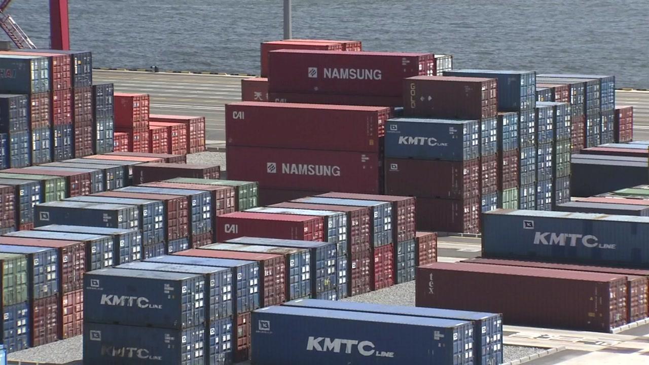코로나19로 세계무역 타격...WTO 조사 대상국 절반 수출 감소