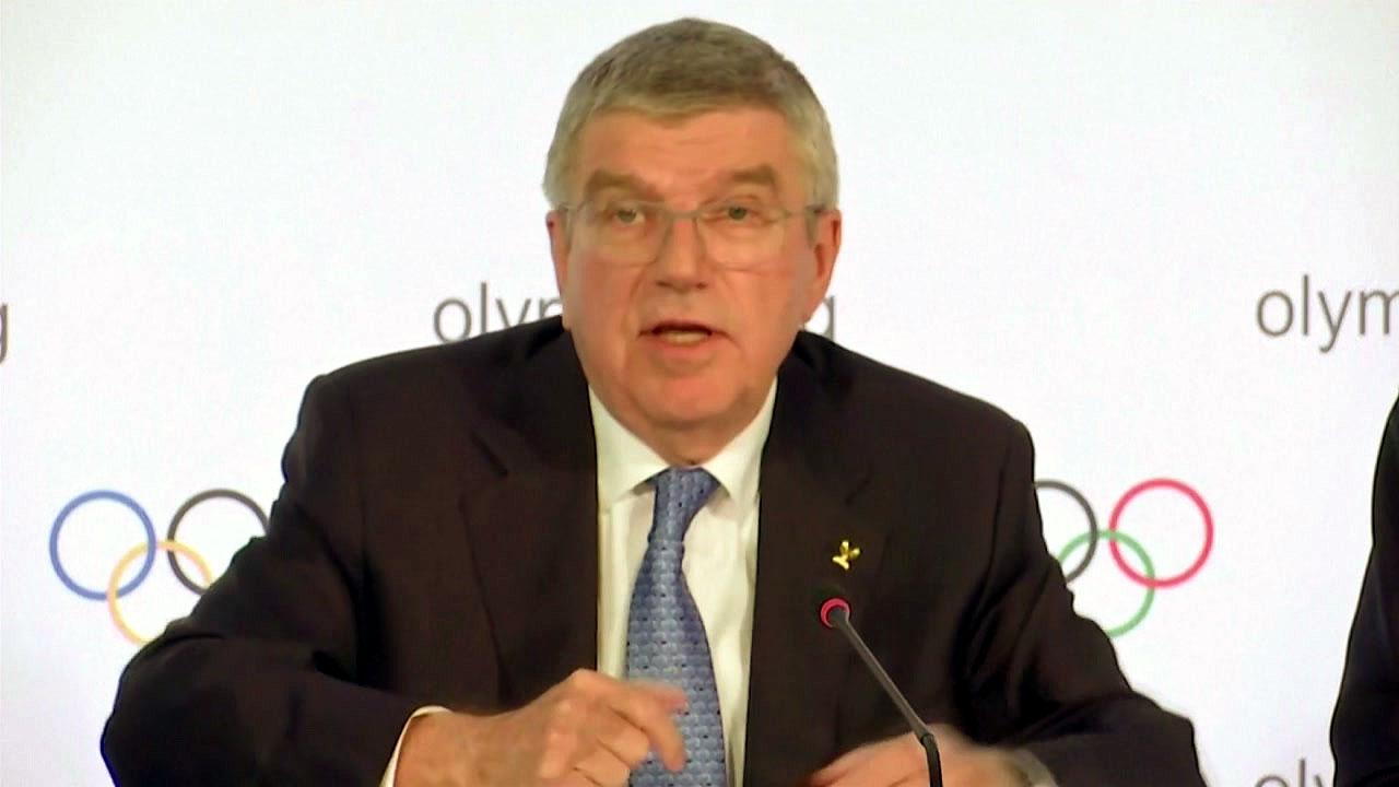 """IOC 위원장 """"내년 개최 못 하면 도쿄 올림픽 취소"""""""