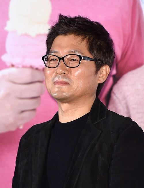"""강제규 감독 부친상 """"코로나19로 22일만 조문 가능"""""""