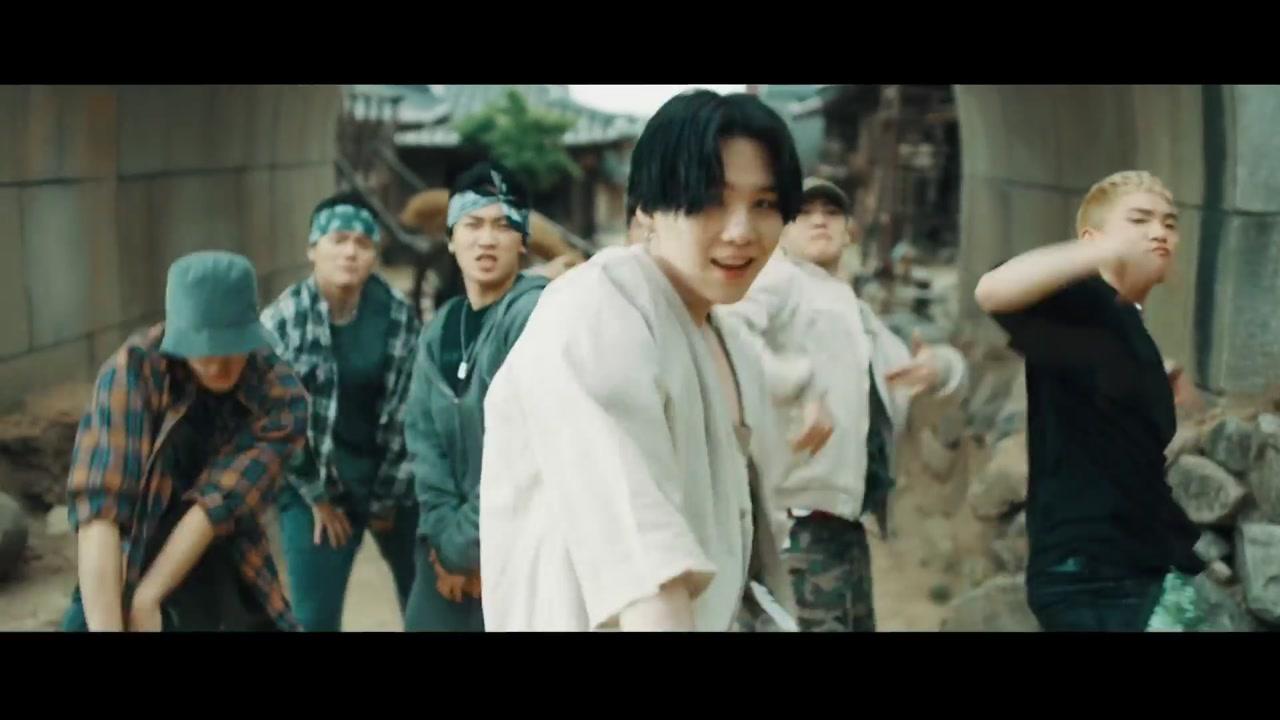 BTS 슈가 믹스테이프, 세계 80개 지역 아이튠즈 1위
