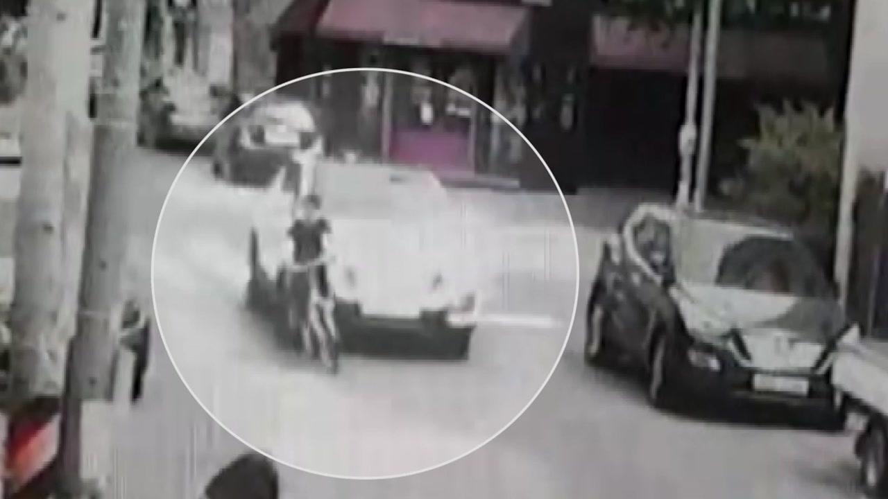 스쿨존에서 어린이 덮친 SUV...아동 다툼에 일부러 사고?