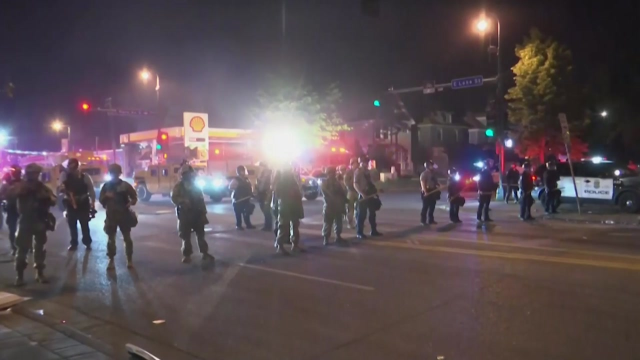 '흑인 사망' 시위 20여개 주로 확산...트럼프, 군 투입 경고