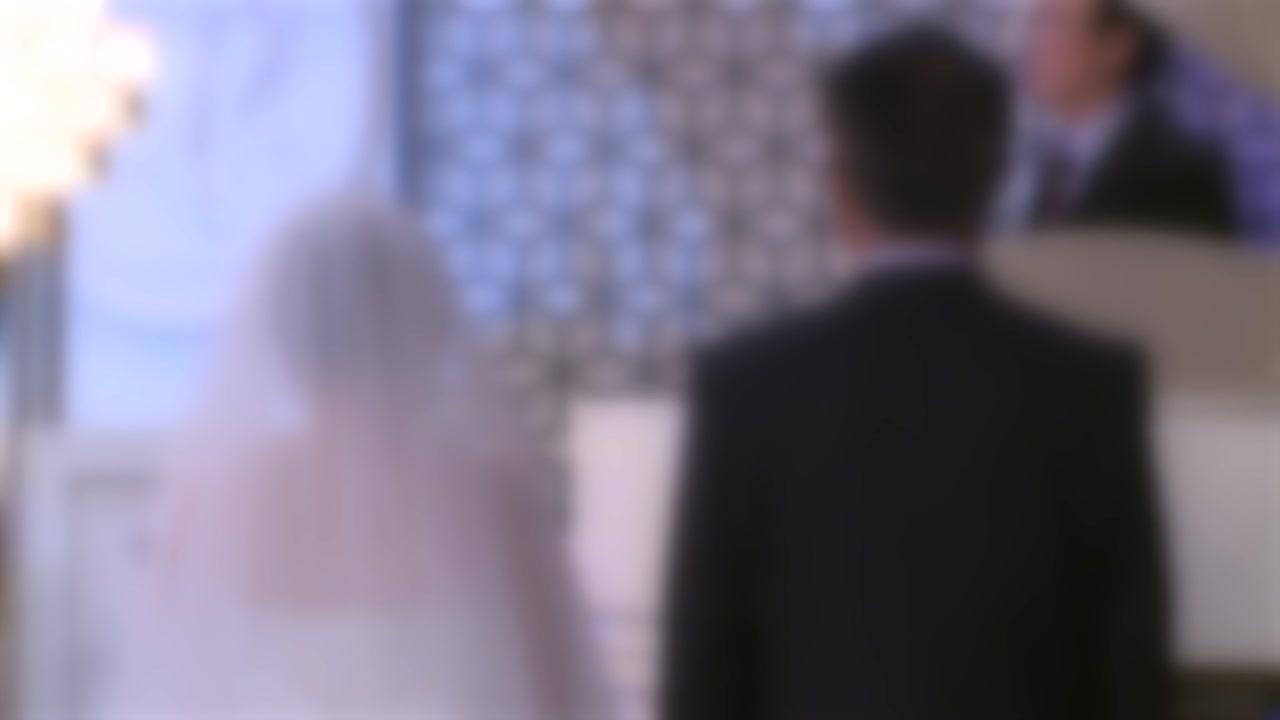 """[반나절] """"어려운 상황에 감사합니다"""" 코로나19 시대 결혼식 풍경"""