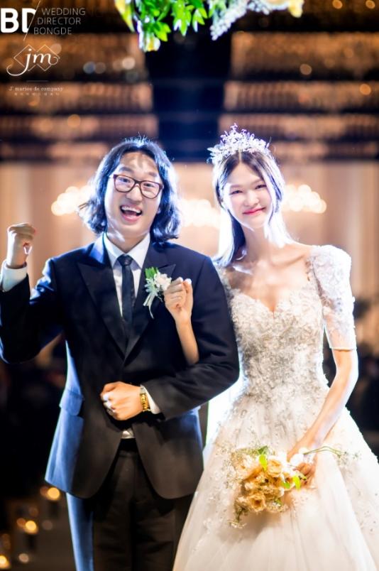 김경진♥전수민, 축복 속 결혼...본식 사진 공개