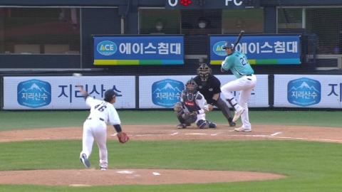 '홈런 3방' NC,  두산에 완승