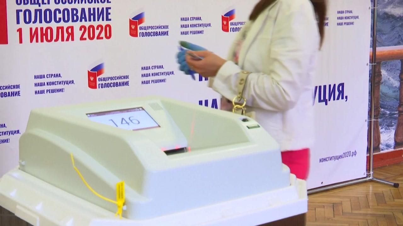 """""""러시아 개헌안 78%가 찬성""""...푸틴, 32년 장기집권 길 열려"""