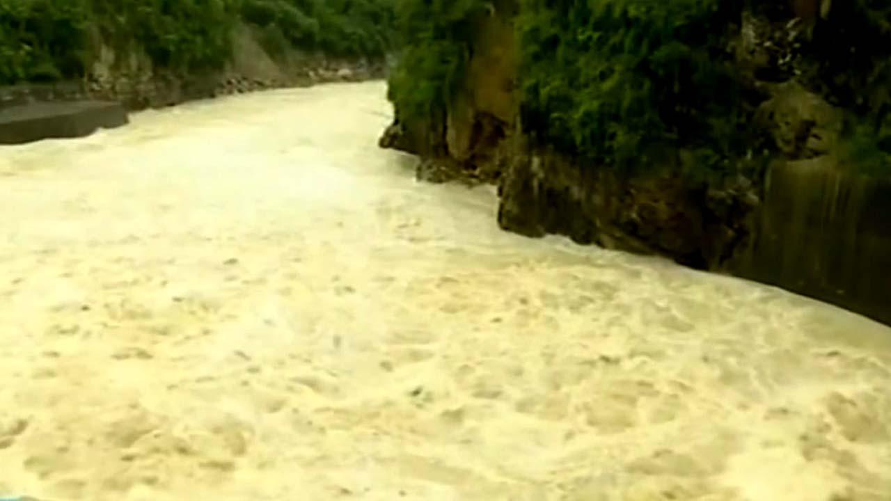 중국, 한 달째 폭우로 양쯔강에 '홍수 경보'...압록강도 홍수 위험