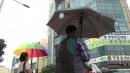 [날씨] 중부 무더위 절정...밤사이 제주·남해안 호우
