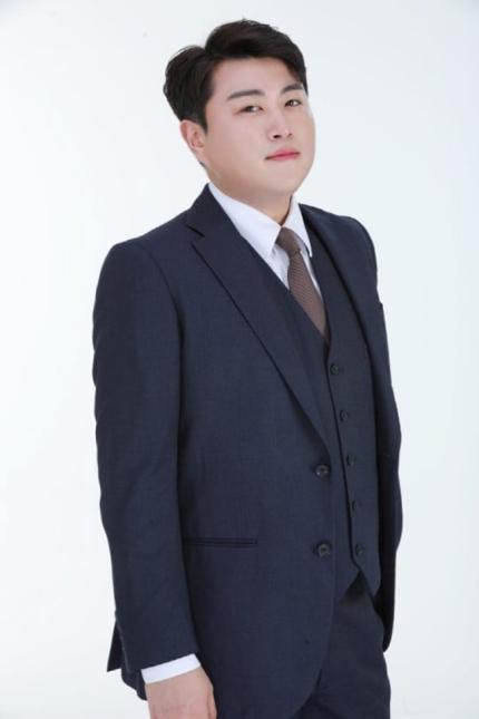 """김호중 측 """"'사랑의 콜센타' 하차...입대 등 하반기 일정 미정""""(공식)"""