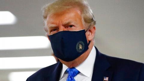 마스크 쓴 트럼프 미국 대통령…'공식 석상 첫 착용'