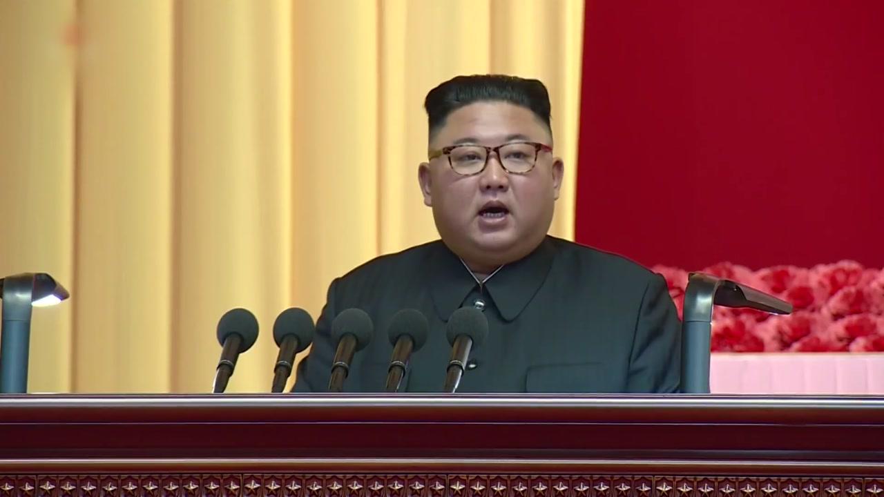 """군중연설 나선 김정은 """"핵 억제력으로 영원한 안전 담보"""""""