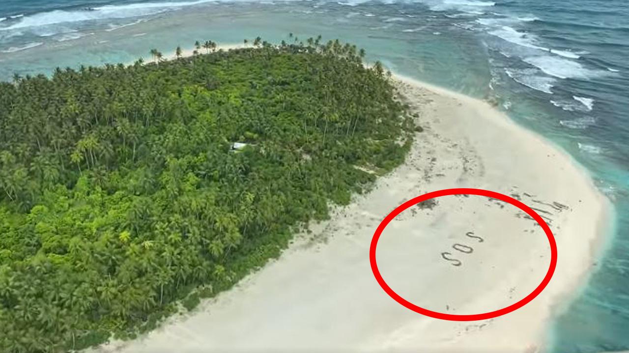 태평양 무인도에 표류한 선원들, 모래 위 'SOS' 글자로 구조