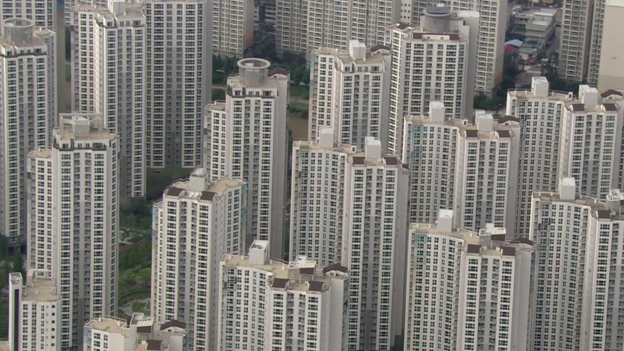 중국인 3조 쓸어담는데...부동산 규제 내국인 역차별 논란