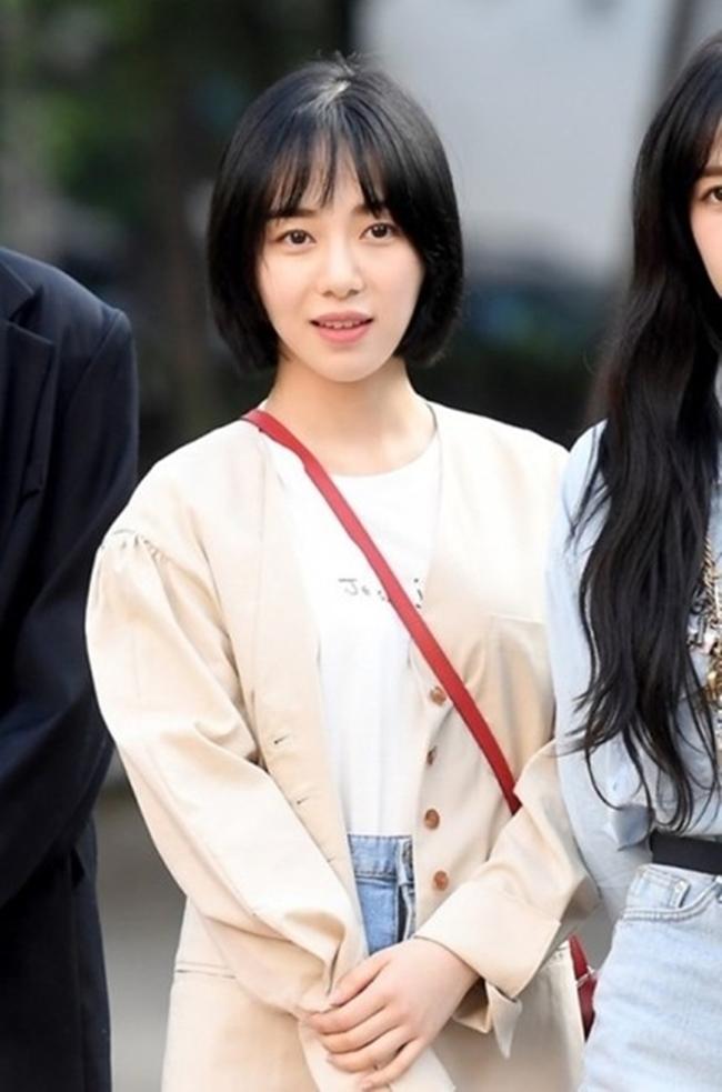 """권민아, SNS 계정 삭제...""""치료 집중 위해...본인 뜻"""""""