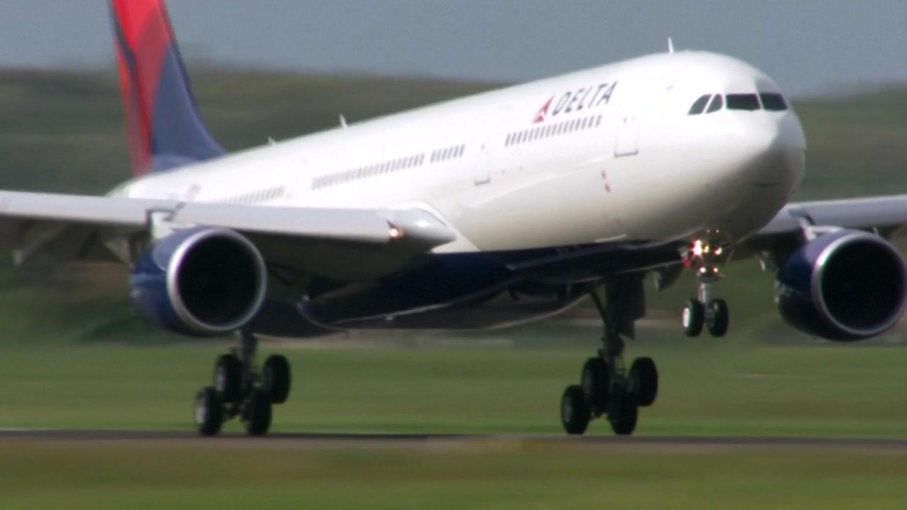 델타 항공, 마스크 착용 거부한 승객 240명 탑승금지