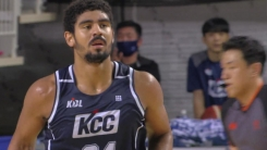 '데이비스 38점 17리바운드' KCC, SK에 완승