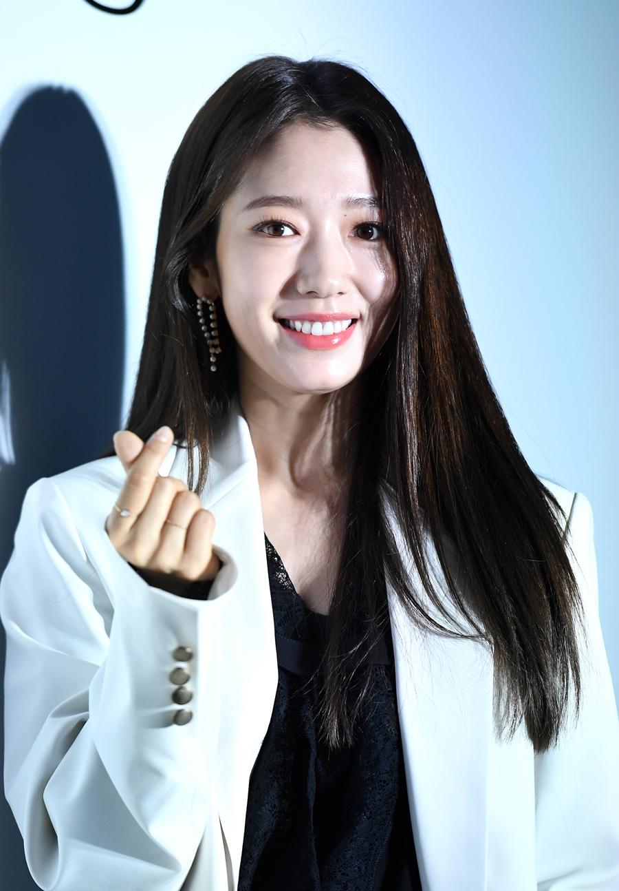 '기부천사' 박신혜, 연탄은행에 3000만원 쾌척... 선한 영향력