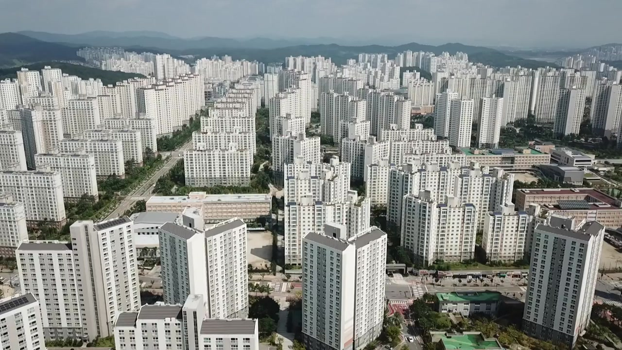 [경제]9 년 만에 전국 집값 인상 … 서울 입주량 34 % ↓