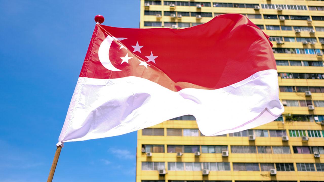 싱가포르, 격리기간에 7차례 외출한 간호사에 징역형