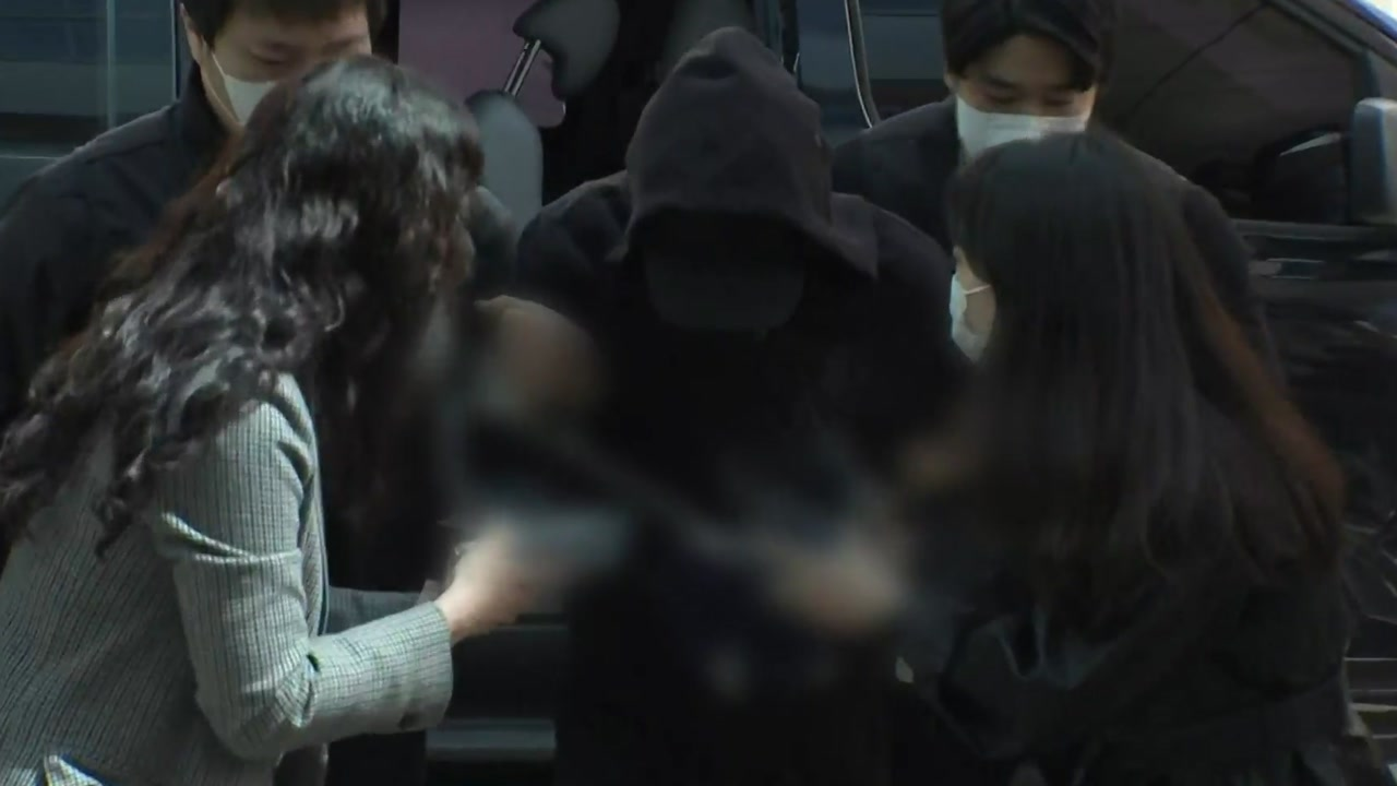 [사회]'3 모녀 살인'용의자 체포 후 1 차 수사 … 오늘 개인 정보 공개 여부 심의