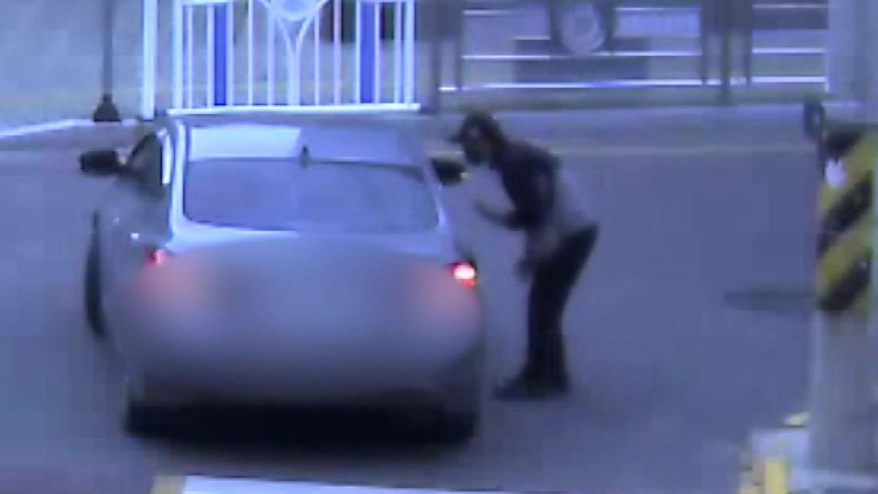 [전국]'치리!'  의심스러운 봉투에 … 전화 금융 사기꾼이 휴가 중 경찰에 잡히다