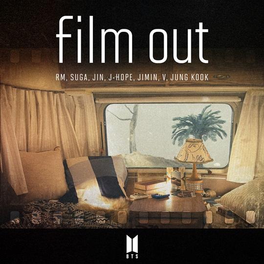 방탄소년단 'Film out', 日 오리콘 주간 차트 정상 (공식)