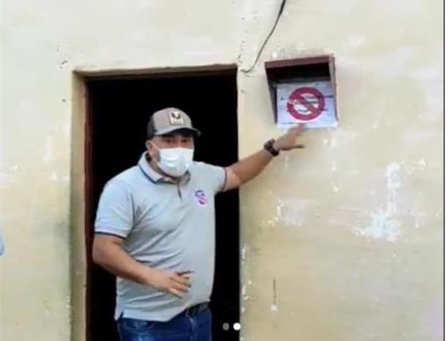 코로나19 확진자 집에 빨간 경고 표시 붙인 베네수엘라 시장