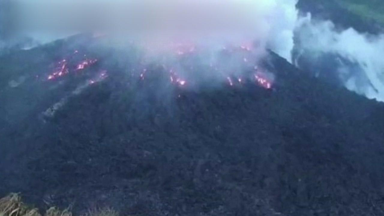 [국제]카리브해 섬의 화산 폭발 … 16,000 명 이상의 주민 대피