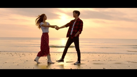 DAY6 'You make Me' MV 출연한 이서연-성용록! 연인 연기로 화제