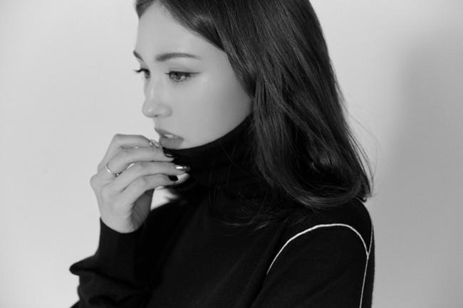 전소미, '센터' 컴백…아이오아이 데뷔 5주년 라이브 개최