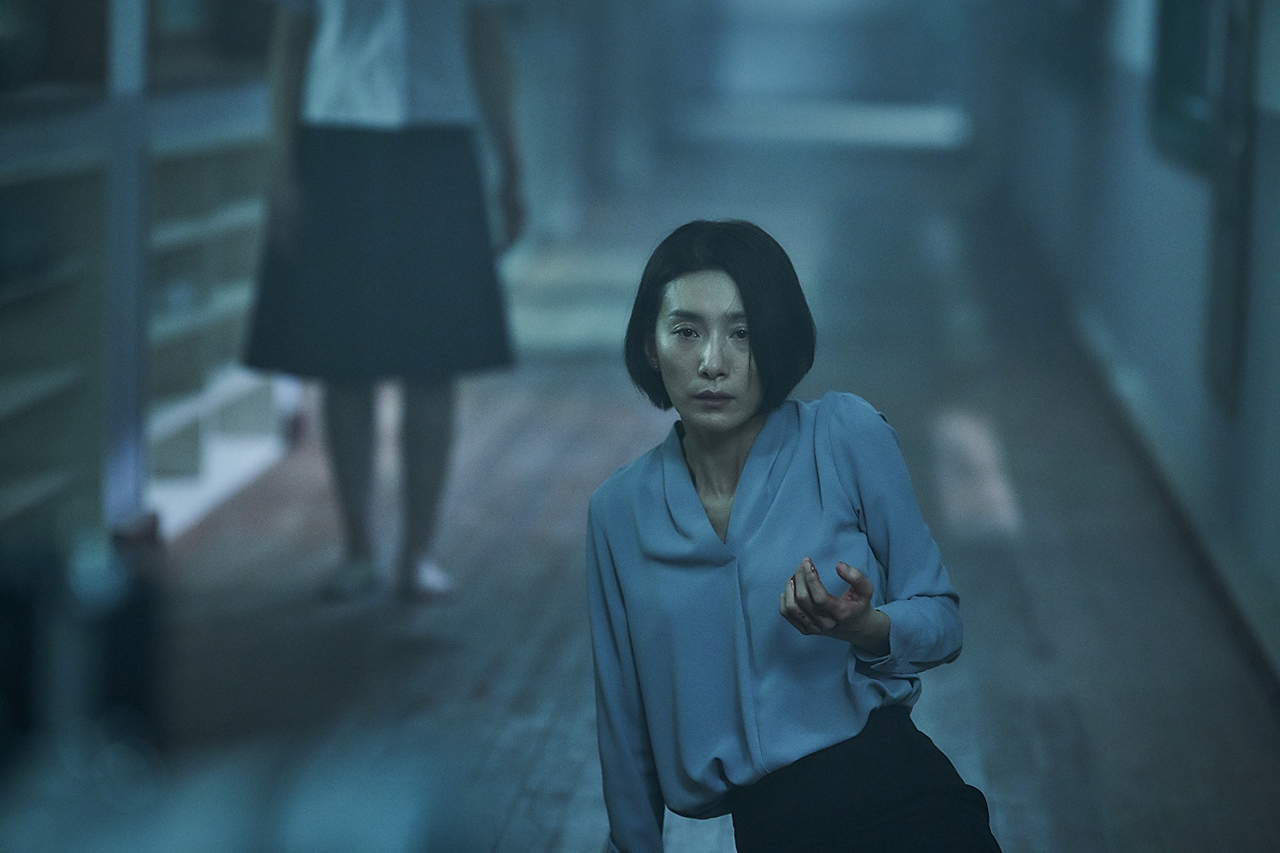 욕심 많은 '여고괴담'… 김서형의 안타까운 고군분투