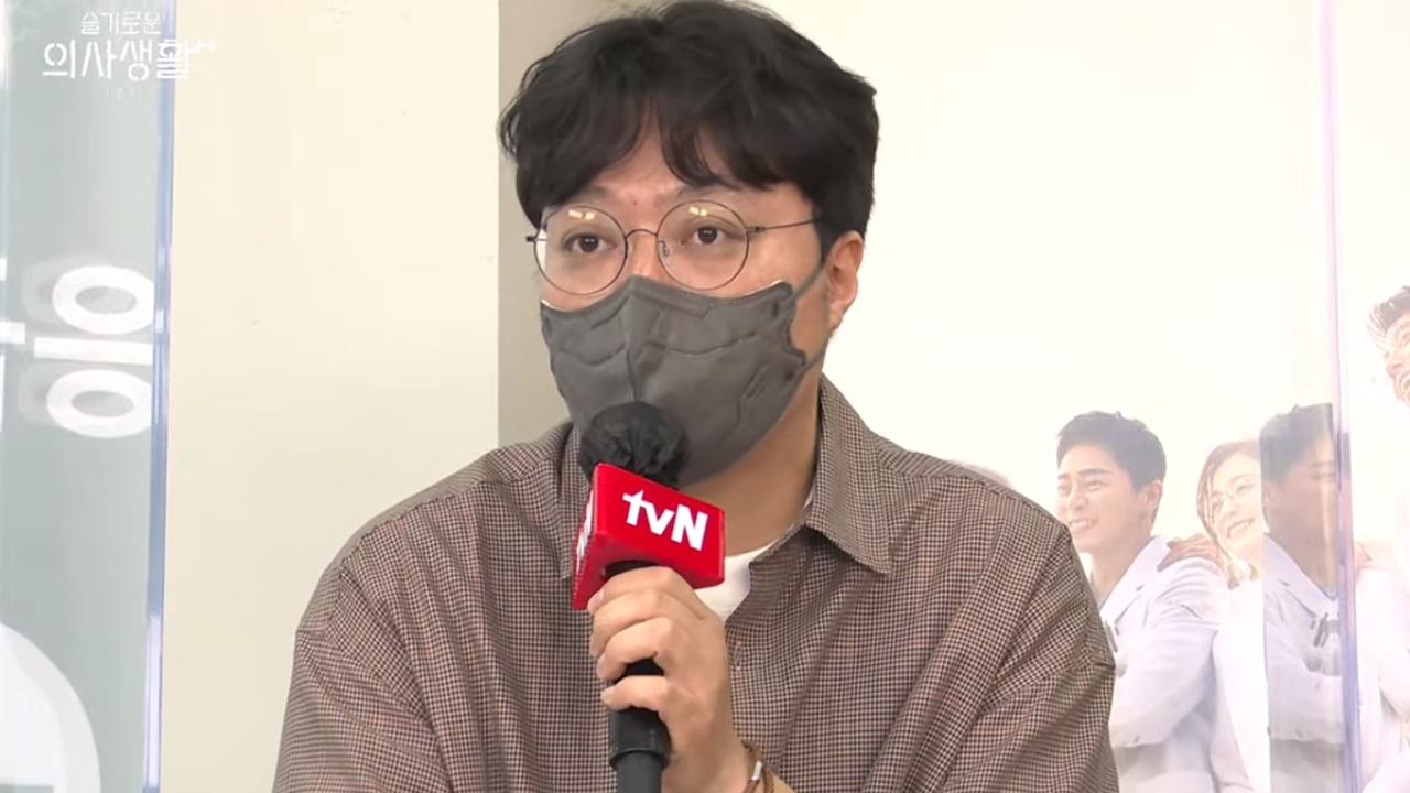 """'슬의생2' 신원호 감독, 방탄소년단에 러브콜...""""기다리고 있다""""_이미지"""