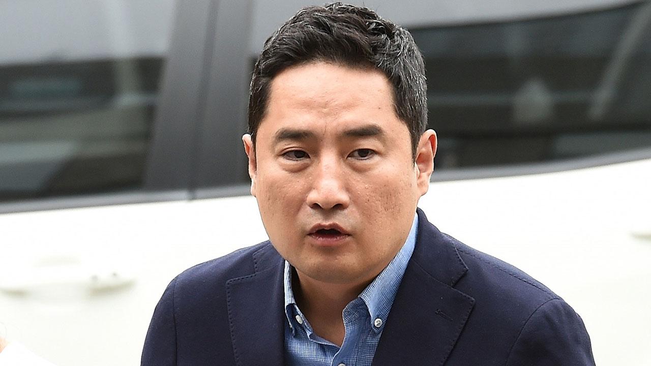 """변협, 강용석 과태료 천만 원 징계...""""품위유지 위반"""""""