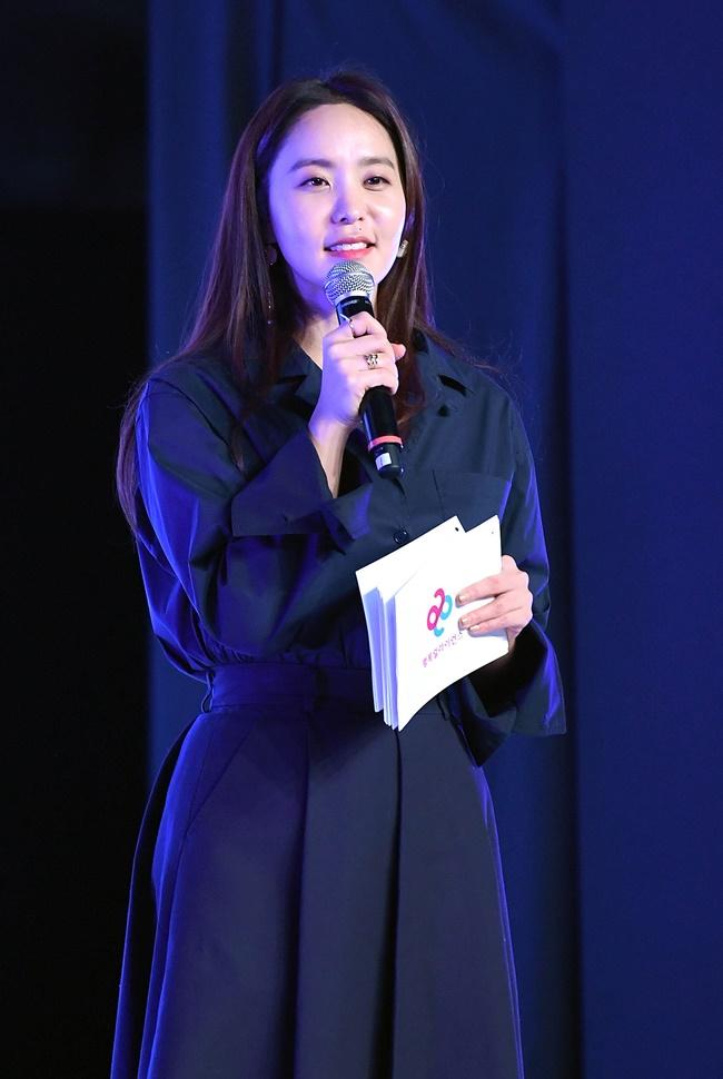 방송인 박지윤, 신조어 사용에 남혐 논란 휘말려...SNS 비공개로