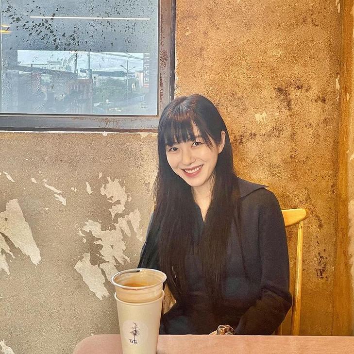 """권민아 열애 공개 후폭풍 """"양다리 NO…허위사실 고소할 것"""" (종합)"""
