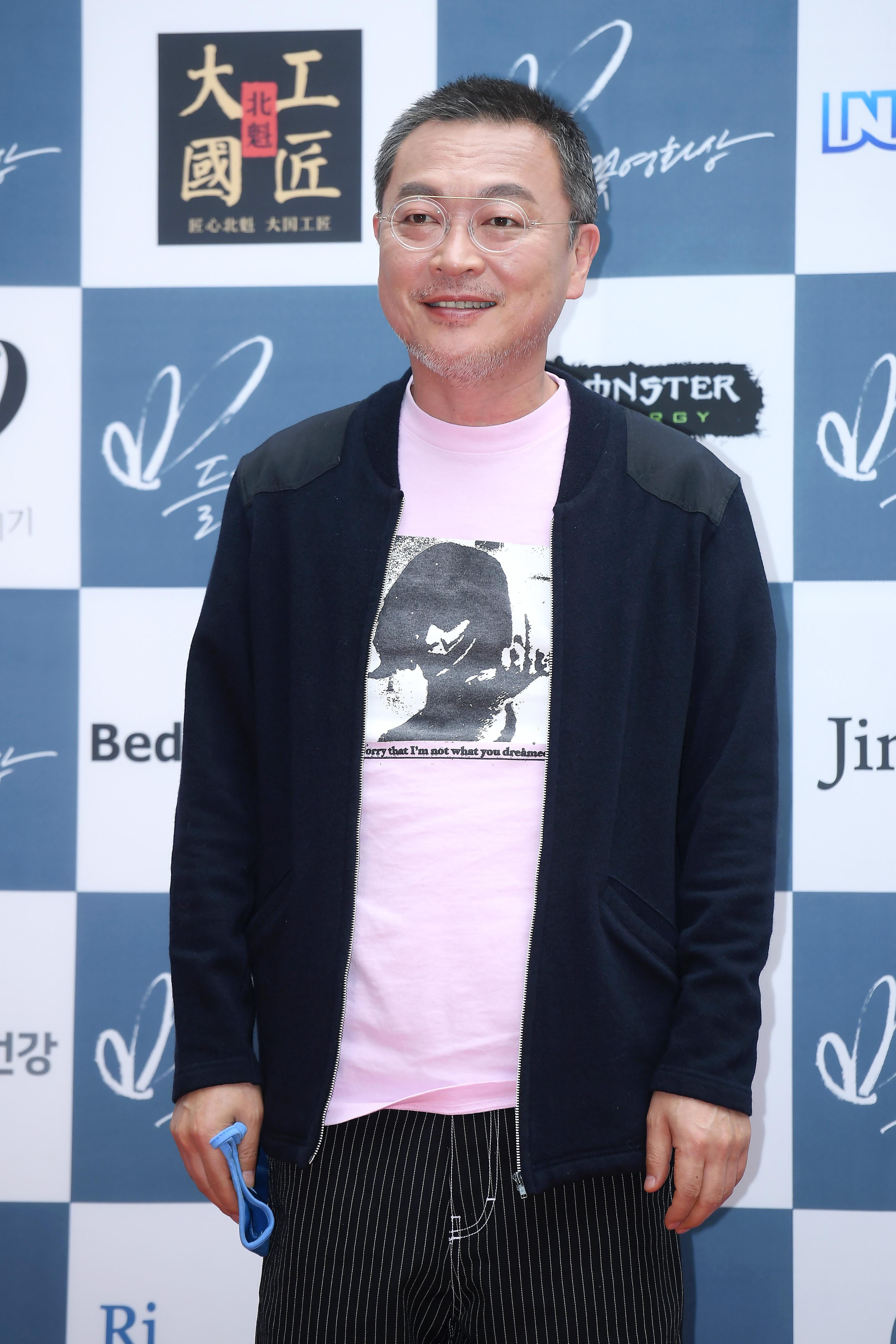 [단독] 김의성, 애플TV 신작 촬영차 미국行…앤 해서웨이와 호흡