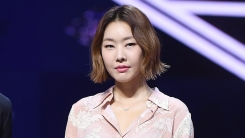"""한혜진 측 """"코로나 19 완치 판정 후 어제(26일) 퇴원"""" (공식)"""