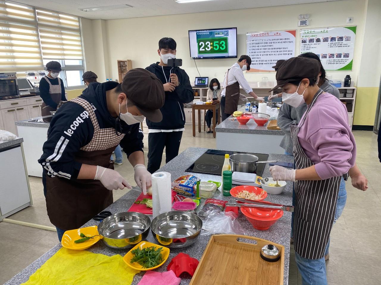 수련회·캠핑 못 떠나는 학생들 위해...대전원명학교, 온라인 '요리경연대회' 진행