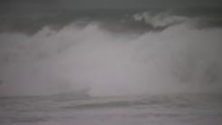 [날씨] 내륙 늦더위, 제주 비바람...내일부터 태풍 직접 영향