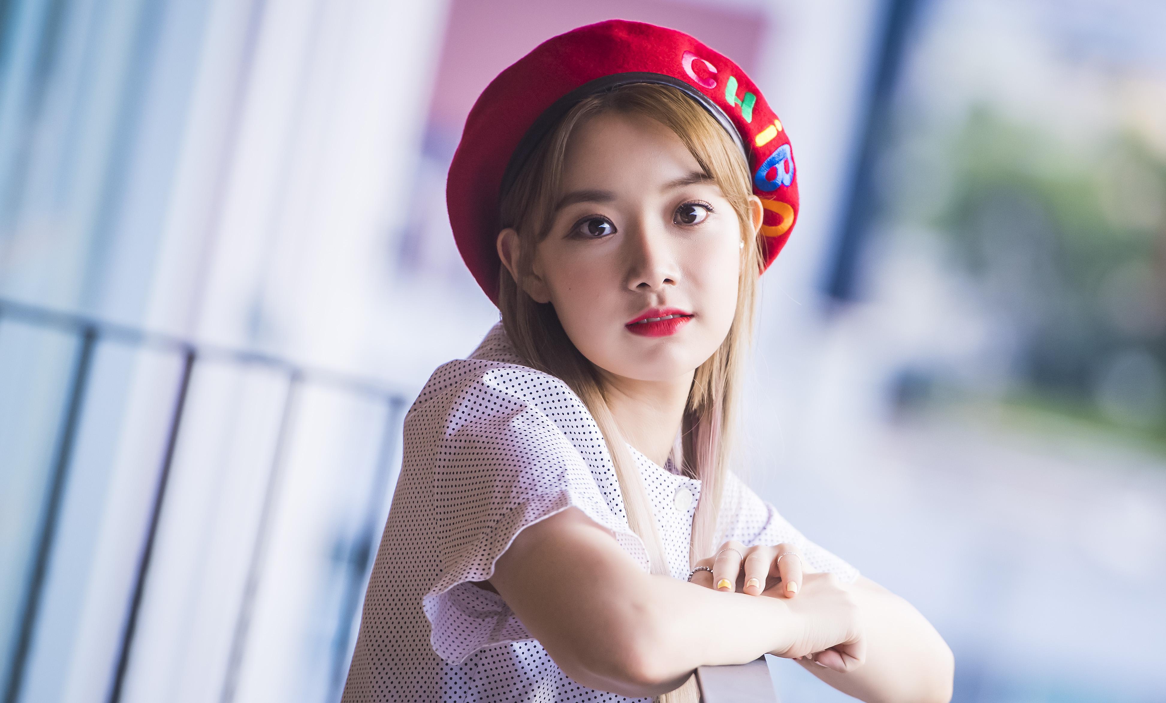 """이현주 """"에이프릴 멤버도 나를 고소해…현재 경찰 단계"""" (전문)"""
