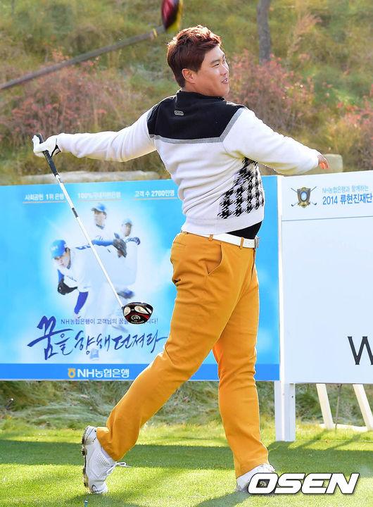 류현진,'골프공으로 홈런 쳤어요'_이미지