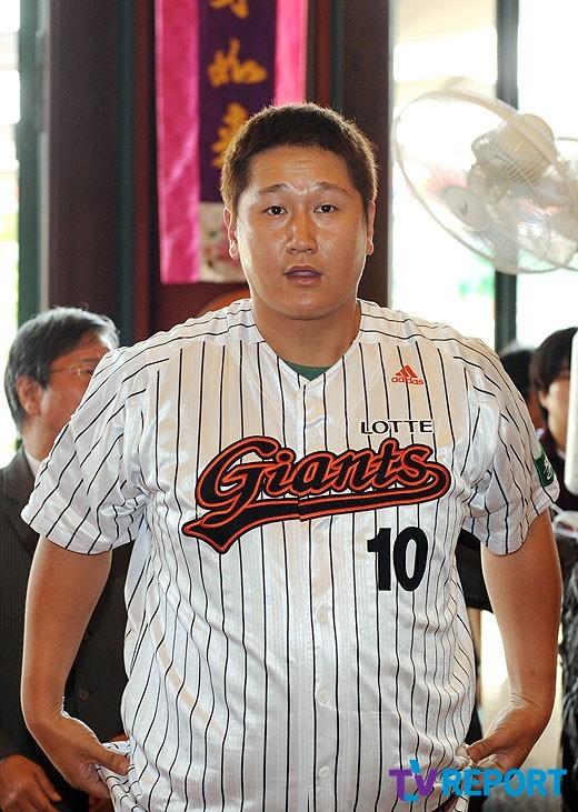 이대호 韓美日 두자릿수 홈런 최초의 한국인