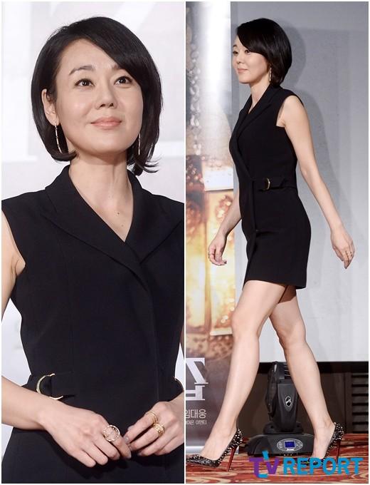 김윤진 '세월이 흘러도 변함없는 미모'