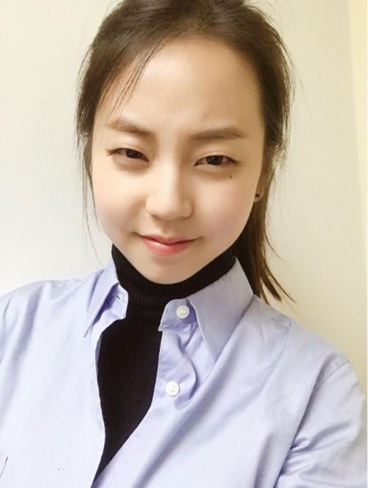 """""""어머나""""…안소희, 남심 저격하는 애교 셀카_이미지3"""