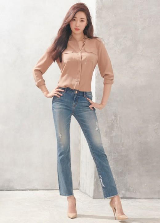 """""""♥의 여신"""" 김사랑, 식단 조절로 완성한 청바지 핏"""