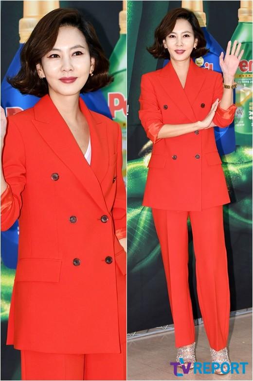 김남주 '새빨간 미모, 강렬한 카리스마'