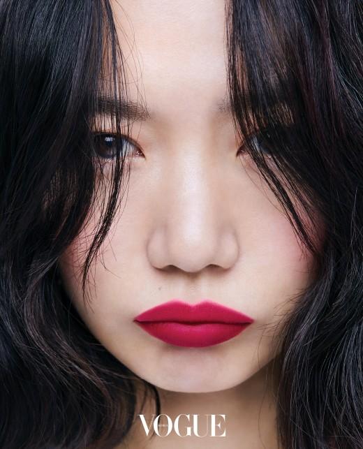 """""""이 구역 분위기 깡패"""" 배두나, 매혹의 레드립 여신_이미지3"""
